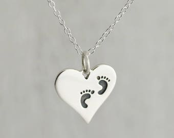 Present for a New Mom, Push Present Necklace, Charm Necklace for New Mom Gift from Husband, Baby Feet Necklace, Baby Footprint Jewelry MS009