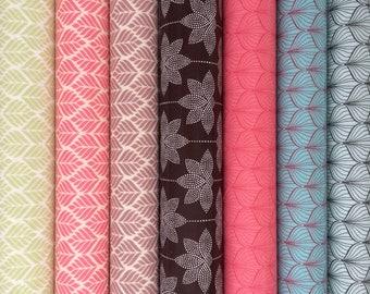 7 Coupons de toiles cirées en coton enduit vert, rose, bordeaux, bleu 50X46 différents motifs pour activités créatives