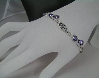 """Little cat bracelet with Amethyst in the garden of Eden"""