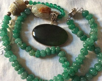 Exceptionnel Antique HAND CARVED JADE Necklace- Jade Nephrite- Beautiful - Genuine stone- Sterling silver- Antik from France