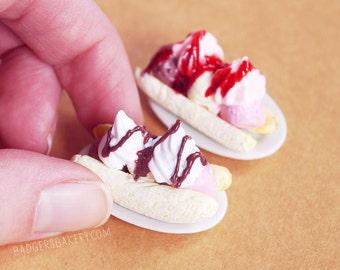 Dollhouse BANANA SPLIT Miniature, Ice Cream for Dolls, Blythe Dessert, Miniature Food in 1/12 or 1/6 scale