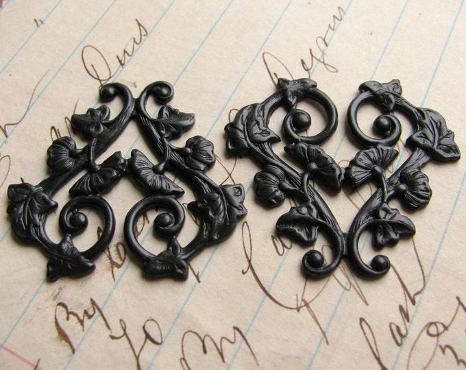 Scrolling morning glory vines, 30mm heart shaped floral link, ornament , black antiqued brass flowers valentine, 2 filigree, OR-FF-009