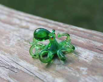 Small Glass Octopus animal Figurines Miniature Octopus Little Glass Animals Murano Gift Blown Sculpture Art Collectible Artglass Lampwork