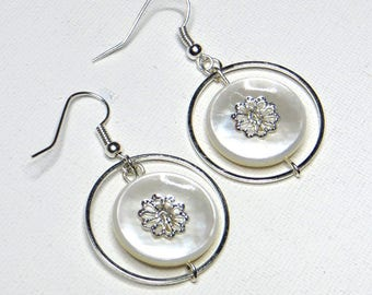 Earrings with Pearl White and silver finishes - #795