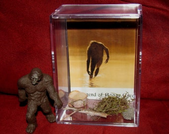"""The Legend Of Boggy Creek Monster Collectible figure display/great """"unique"""" gift or addition to a collection..Brand New"""