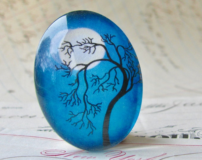 Tree silhouette against a full moon, 40x30mm handmade glass oval cabochon, blue sky, night sky, twilight, Mystic Moon collection, blue moon