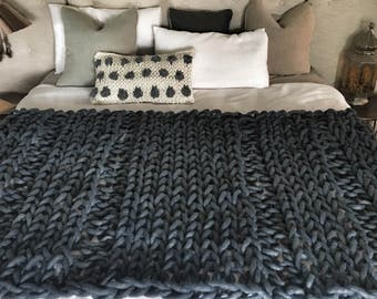 Extreme knit king size rib blanket