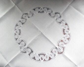 Battenburg Lace Tablecloth, Vintage Lace Napkins, White Table Linen Set, Handmade Belgian Lace, Small Tablecloth, Cottage Chic Decor, 44x43