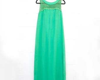 Vintage 1960's Emerald Green Evening Gown with flower lace. Bridesmaid dress, Hostess Gown
