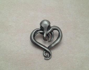 Cthulhu Heart pin