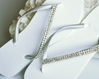 BRIDAL Flip Flops, WEDDING Flip Flops,Rhinestone Flip Flop, Bridesmaid Flip Flops,  Elegant  Flip Flops, Bridesmaid Gifts, Bridal Party Gift