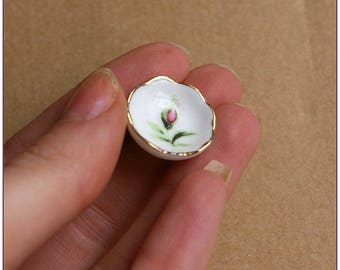 Small ceramic dish with miniature rose gold x 1