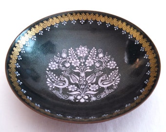 Eva Scherer, small Austrian enameled copper trinket dish, folk art motifs