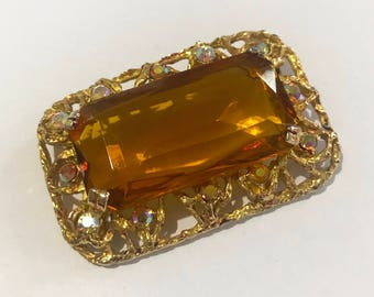 Vintage Brooch - Cosume Jewellery - Rectangular Gold and Amber
