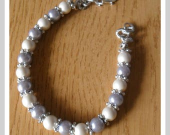 Matt white and gray bracelet