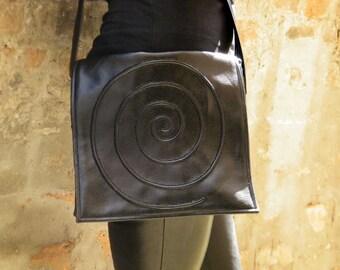 Black vegan bag, vegan purse, everyday bag, crossbody bag, vegan bag, faux leather, messenger bag, shoulder bag, black spiral bag, black bag
