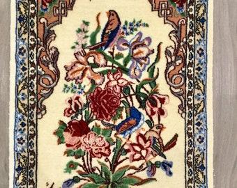 Decorative Pictorial Silk Isphahan Rug