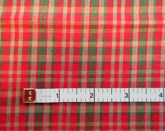 Red & Green Plaid Quilt/Craft Fabric - Cotton - Vintage - 1/2 Yd.