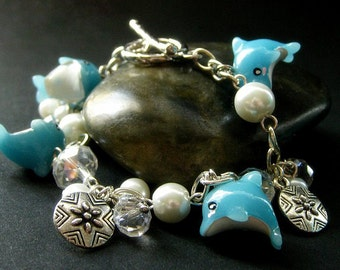 Blue Dolphin Bracelet. Beaded Bracelet. Dolphin Charm Bracelet. Ocean Bracelet. Beach Bracelet. Handmade Bracelet. Handmade Jewelry.