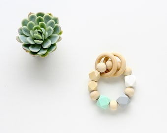 Teething Toy in Wood & Silicon, Wooden Teether, Baby Teething Ring - Wood and Mint