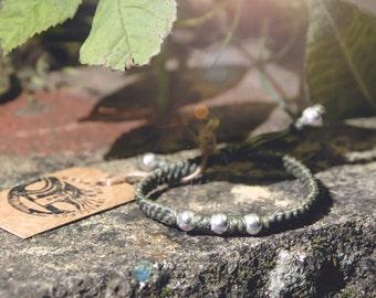 Green women bracelet  / Friendship Bracelet Adjustable Bracelet Gift For Her Gift for him Bracelet Handmade Bracelet Beaded Jewelry
