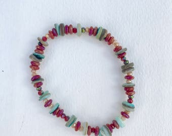 Red and Green Beaded Stretchy Bracelet