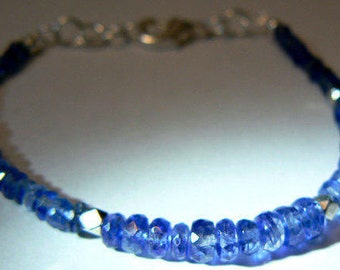 Blue kyanite bracelet- Boho blue gemstone bracelet- Dainty blue stone bracelet- Elegant fashion bracelet-birthday gift- Women jewelry gift
