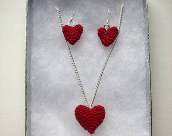 Crochet heart jewellery set - the perfect gift for Valentine's Day
