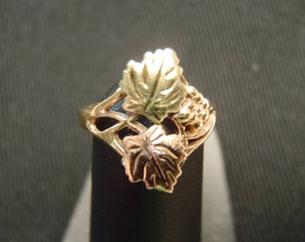 Genuine Black Hills Gold Ring Grape Leaves Pinky or Childs Ring