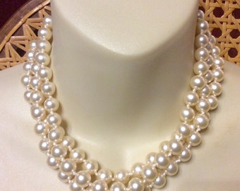 Vintage triple strand imitation pearls wedding choker collar necklace.