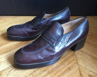 New / loafers men vintage brown leather with heel /fabrication Italian/Rolls/EU size US 9.5 UK 8.5 42.5