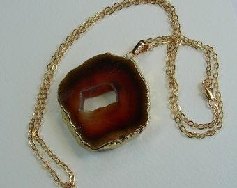 Verkauf 15 % Rabatt auf natürliche Achat Scheibe Halskette 24K gold plated Kanten mit 24K Gold geflochtene Kette mit Druzy Stein, Geode Halskette (Lot 027)