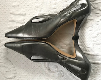 70s pumps . pewter pumps  . gray pumps . size 6.6 metallic pewter pumps . Gloria Vanderbilt