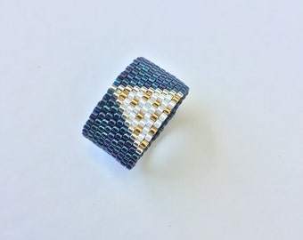 Triangle Dots Seed Bead Ring, Peyote ring, Minimal ring, Beadwoven ring, Modern wide band, Made in Greece, Gifts for her, Summer ring