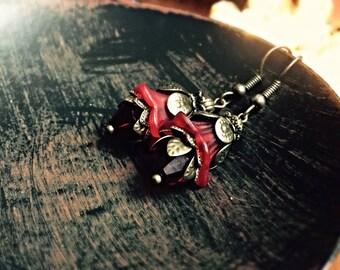 Red lucite flower earrings, Jewelry Gift, Flower Dangle earrings, red earrings, flower earrings, dangle wedding earrings by pinkicejewels