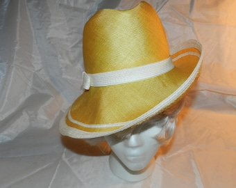 Women's Hat - Vintage Yellow and Cream hat by Junior Seasons New York - Ladies Vintage Fashion Accessory - Collectible Hat            A1-28