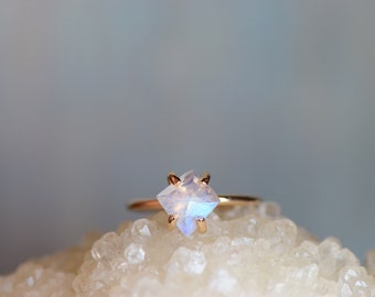 Faceted Moonstone Gold Fill Ring. Blue Flash Stone. Faceted Stone Prong Ring. Delicate Minimalist Stacking Ring. Gift for Wife Moonstone