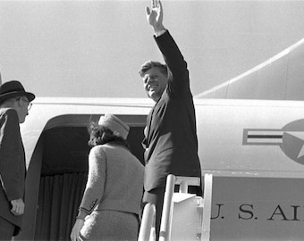 John F. Kennedy , John & Jackie leaving Ft. Worth on there way to Dallas on Nov 22, 1963.