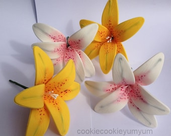 4 edible LILY SUGAR FLOWERS tropical hawaiian cake cupcake toppers decorations party stargazer wedding anniversary birthday islands hawaii