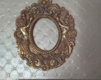Oval frame nymphs, SC. 1/12