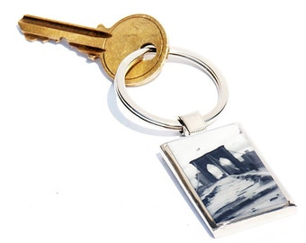 KEY CHAIN- Brooklyn Bridge (Black and white) photo Keychain, metal and resin