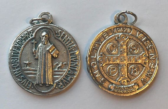 5 Patron Saint Medal Findings, St. Benedict, Die Cast Silverplate, Silver Color, Oxidized Metal, Made in Italy, Charm, Drop, Religion