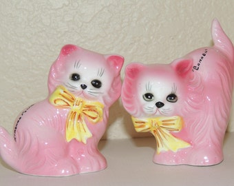 "Pink Kitties Salt and Pepper Shakers ""Canada"""