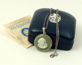 Vintage Boxed Wedgwood Sage Green Jasper Muse Cameo Sterling Silver Necklace