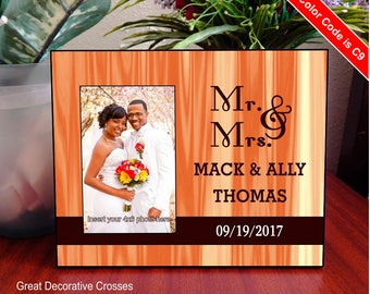 Mr and Mrs Custom Wedding Photo frame Gift, Anniversary Gift for Couple, Personalized Picture Frame, Husband and Wife Gift, FWA013