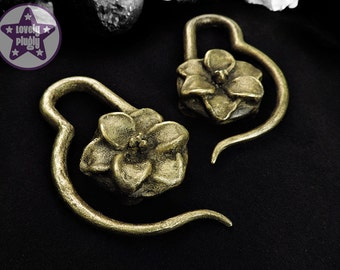 """Cold Cast Antique Brass Lily Flower Ear Weights Hangies for Tunnels Eyelets Gauges PAIR 00g 1/2"""" 9/16"""" / 10mm 12mm 14mm & over"""