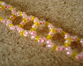 Bracelet pink and yellow seed beads