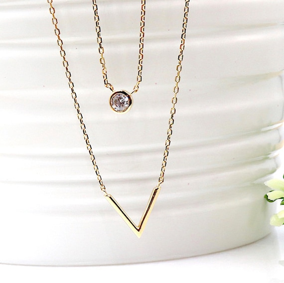 Double V gold plated necklace and solitaire women