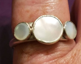 Mother of pearl and sterling silver bezel setting ring