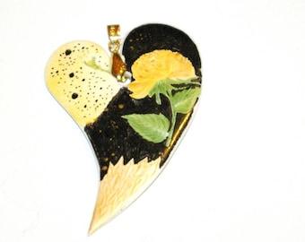 Porcelain model uniquely hand painted heart pendant